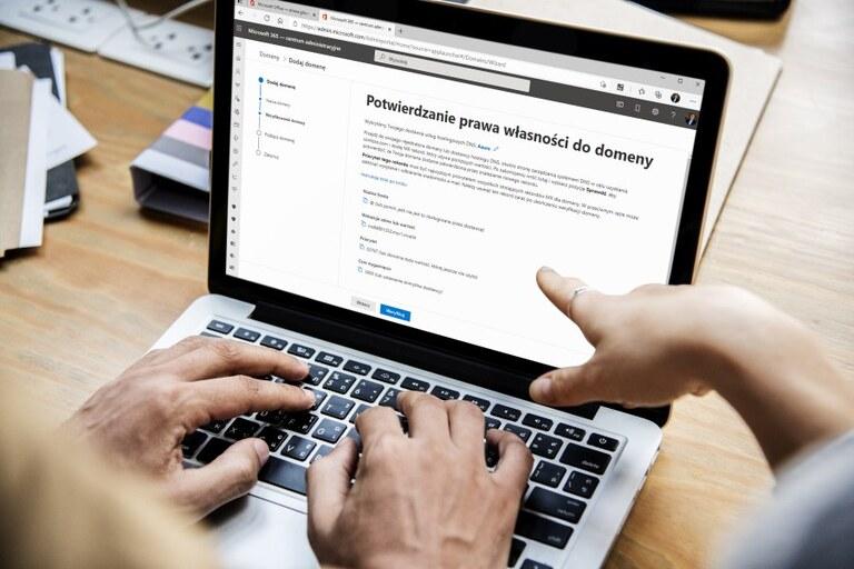 Microsoft 365 admin center - weryfikowanie własności domeny
